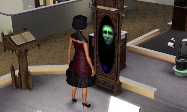 mathilda-talks-to-mirror-2