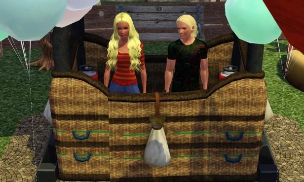 Lenora & Tyrone in Balloon 1 (Medium)
